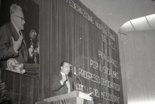 8    1966 XI CONGRESSO  11