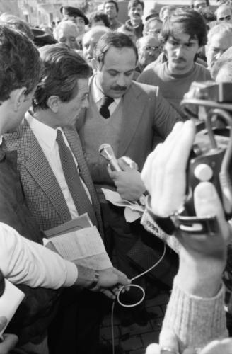 1980.11.23  8    A Pozzuoli  Foto Mario Riccio